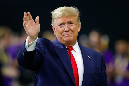 President Trump signs executive orders banning TikTok and WeChat from operating in US in 45 days